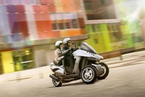 Peugeot HYbrid3 Evolution Concept.jpg